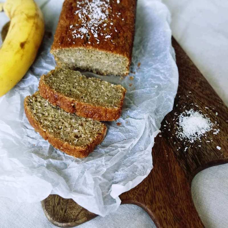 Zuckerfreier Bananenkokoskuchen
