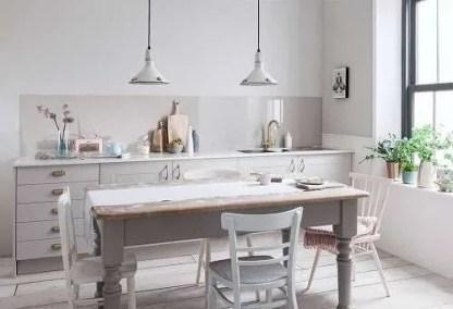 Alusplash-Warm-Grey-kitchen