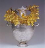 Hydria and wreath, copyright Vergina Museum