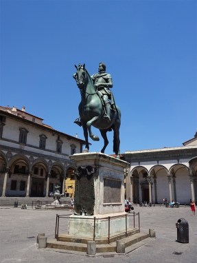 A statue of Duke Ferdinand I on horseback