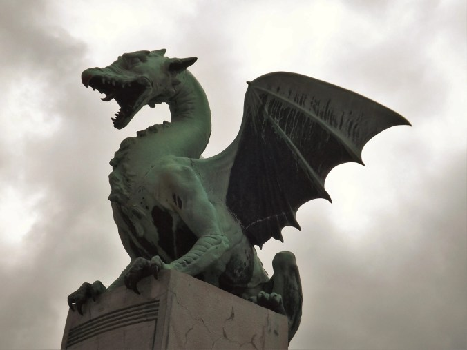 ljubljana-center-2f-dragon-bridge