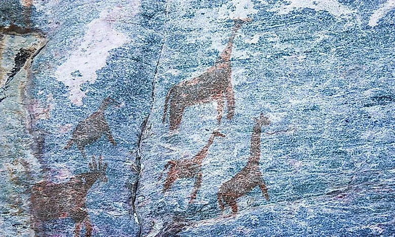 640px-animals-rock-art-tsodilo