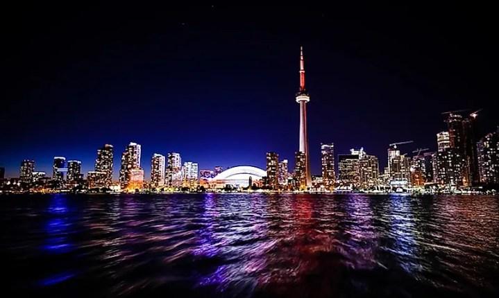 # 2 Toronto, Canadá -