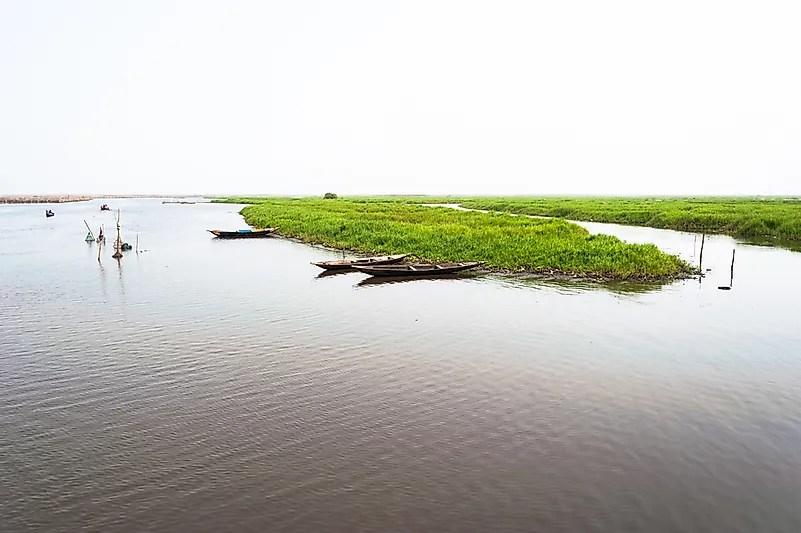 Canoas no lago Nokoue, Benin.