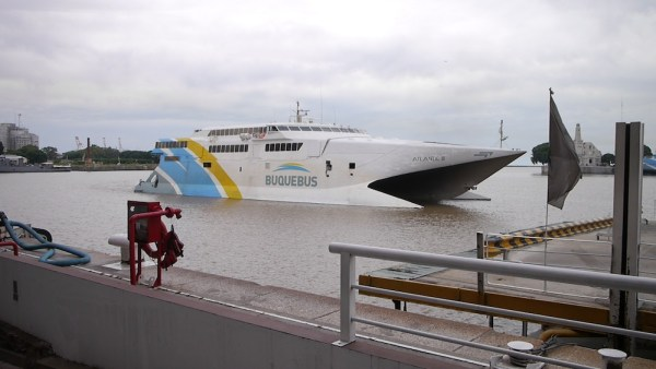 Speedfähre nach Uruguay