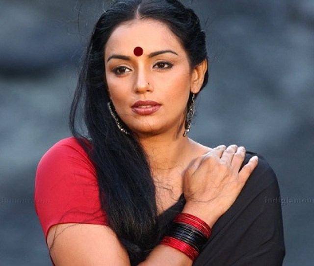 Shwetha Menon Is Another Sizzling Beauty Of Malayalam Film Industry She Started Her Career As A Fashion Model And Is A Well Known Face In The Fashion