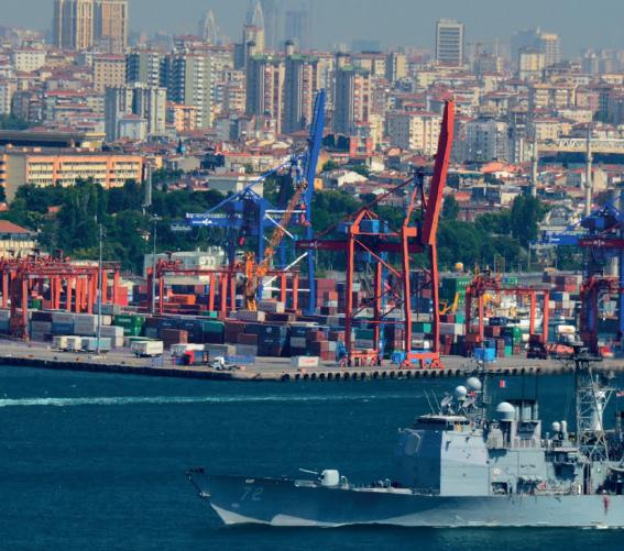 Istanbul-remains-a-key-fuel-hub-©Harold-Litwiler