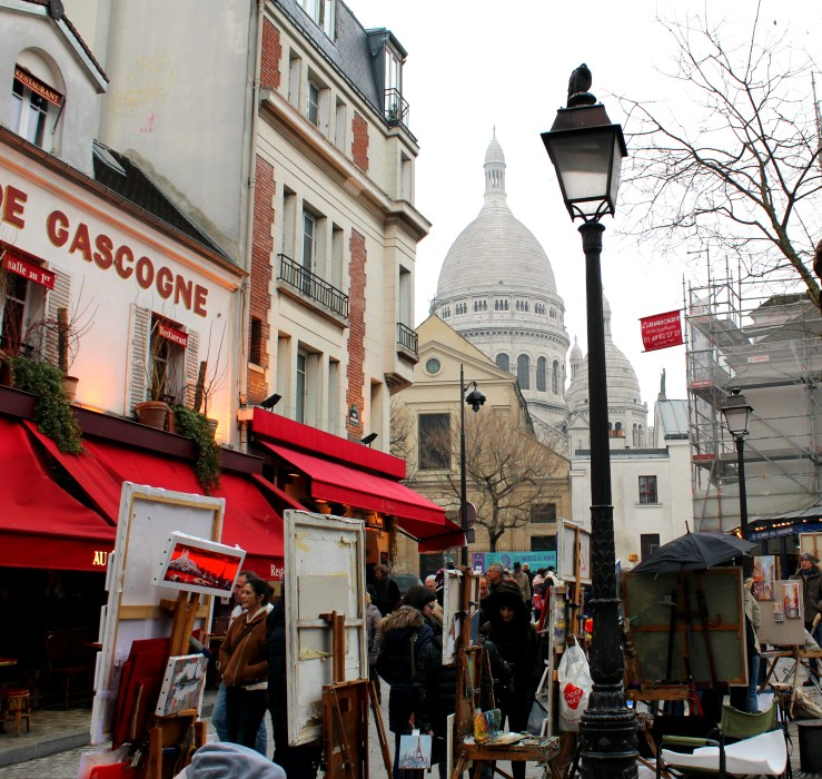 Plac du Tertre next to Basilica of Sacre Coeur