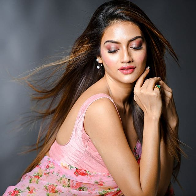 World most Beautiful Bollywood Actresses Nusrat Jahan Latest Photoshoot
