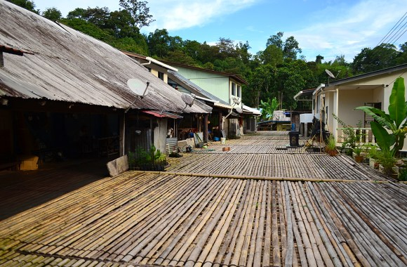 A Visit to the Annah Rais Longhouse
