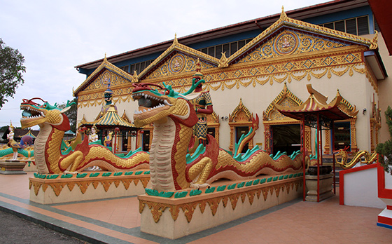 wat-chayamangkalaram-thai-buddhist-temple-15