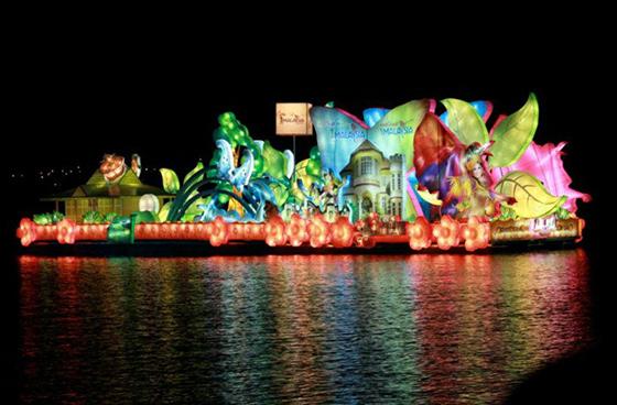 international-tourism-night-floral-parade-2