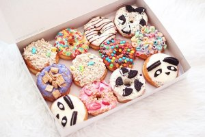 Best Donuts in LA | California Donuts Los Angeles - Ask any self-respecting donut lover where to find the Best Donuts in LA and you're sure to be pointed in this direction of California Donuts. Hands down the BEST donuts in Los Angeles! #donuts #bestdonuts #losangelesdonuts #californiadonuts
