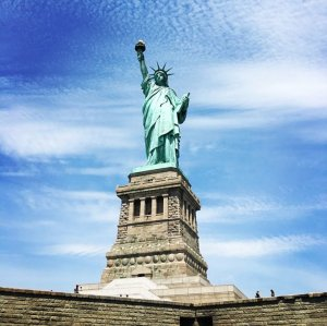 10 Of The Best Touristy Things To Do In New York Statue of Liberty