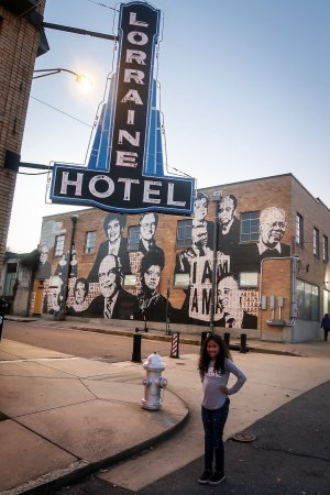 As BlackHistoryMonth kicks off this February, it's a wonderful time to teach our kids aboutthe African American pioneers who cleared the path to civil rights in America.To honor those who helped make a positive impact on our country, here are 7 Places To Visit With Kids For Black History Month