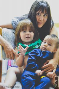 World Mom, MomPhotographer with her 2 daughters