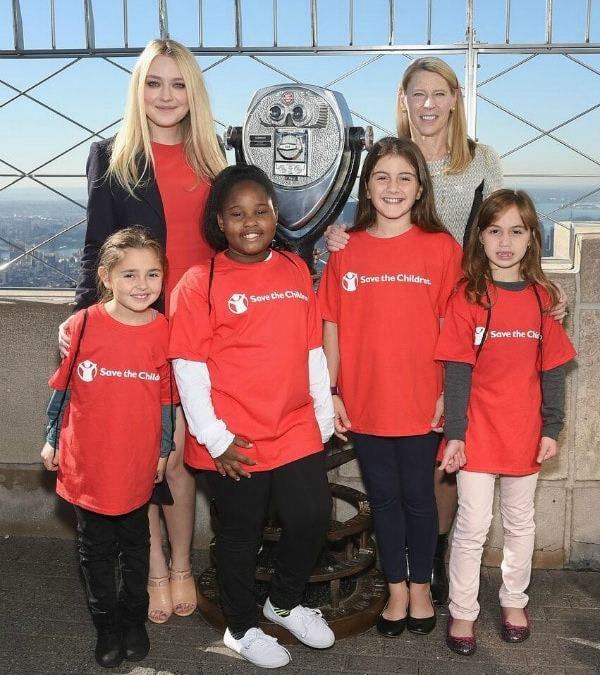 USA: @SaveTheChildren Lights Up Empire State Building Red for Girls' Rights #SheShines