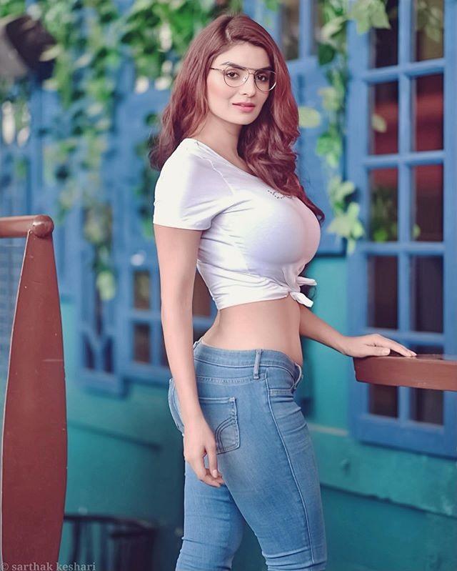 Free World Most Beautiful and popular Women Photos