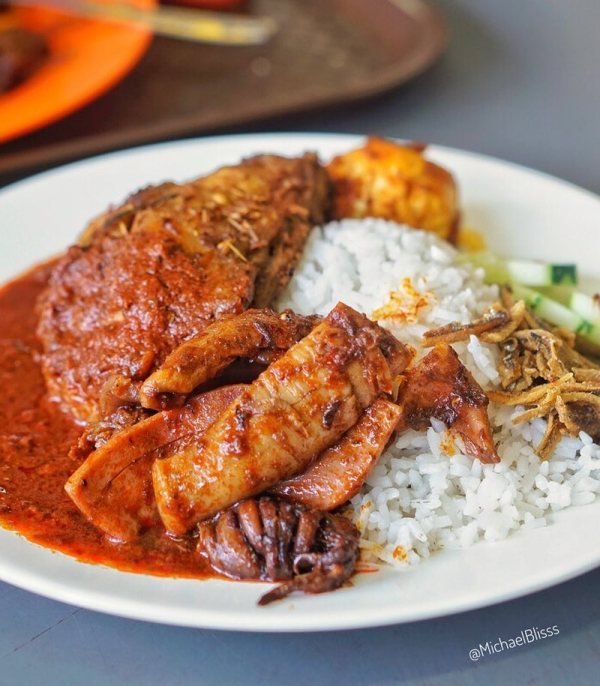 [Test] Lemak, Spice, & Everything Nice: 6 Delicious Nasi Lemak Spots in Klang Valley For M'sian Foodies - WORLD OF BUZZ 3