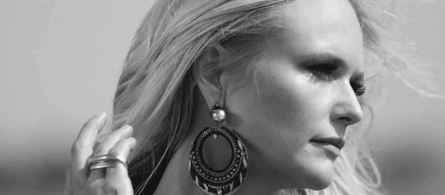 De 25 van 2016: 3 Miranda Lambert – The Weight Of These Wings
