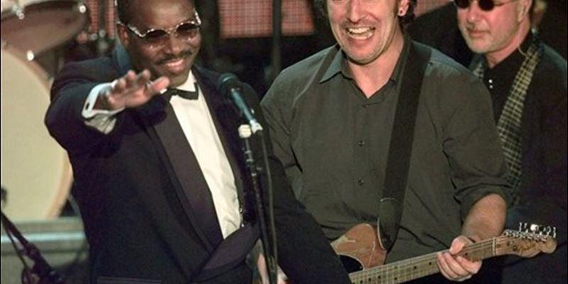 Plaat van de week: Wilson Pickett ft. Bruce Springsteen & The E Street Band – In The Midnight Hour