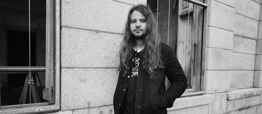 Real Roots Cafe: Brent Cobb – Keep 'Em On They Toes