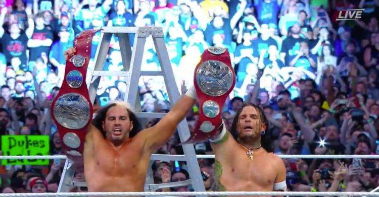 hardys win wwe raw tag titles AT WRESTLEMANIA 33 ORLANDO
