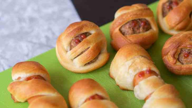 Vegan Halloween Recipe: Mummy Balls and Mummy Dogs!
