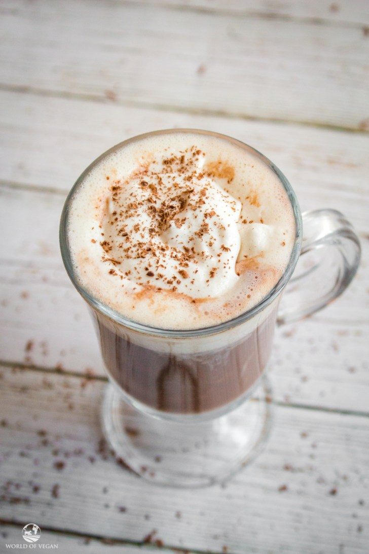 Vegan Peppermint Mocha | WorldofVegan.com | #vegan #mocha #chocolate #holiday #drink