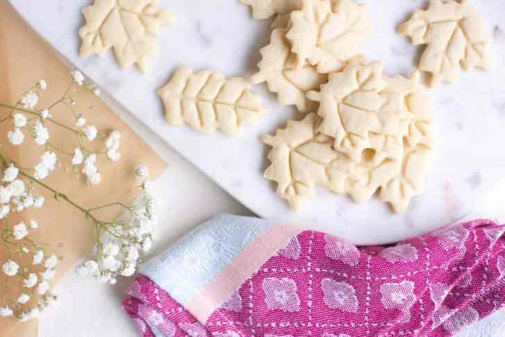 Vegan Fall Desserts: Easy Vegan Sugar Cookies   WorldofVegan.com   #vegan #cookies #baking #recipe