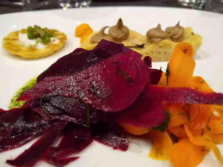 Vegan in Paris: Gentle Gourmet Restaurant | Beet & Carrot Salad | WorldofVegan.com
