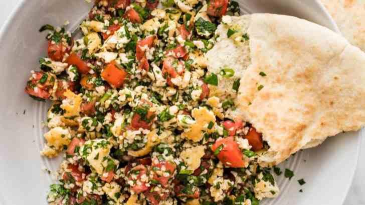 Garlicky Tofu Tabbouleh Salad