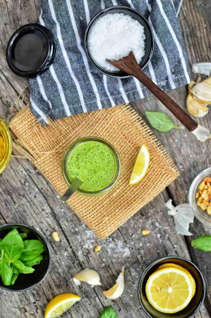 Easy Vegan Pesto | Healthy Sauce |WorldofVegan.com | #pesto #vegan pesto #basil #spread #sauce #healthy