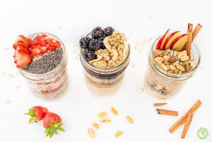 10 Vegan Breakfast Ideas | World of Vegan | #breakfast #vegan #waffles #smoothies #oatmeal #worldofvegan