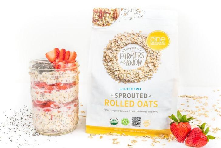 Overnight Oats | Strawberries & Cream | World of Vegan | #vegan #breakfast #vegetarian #healthy #oats
