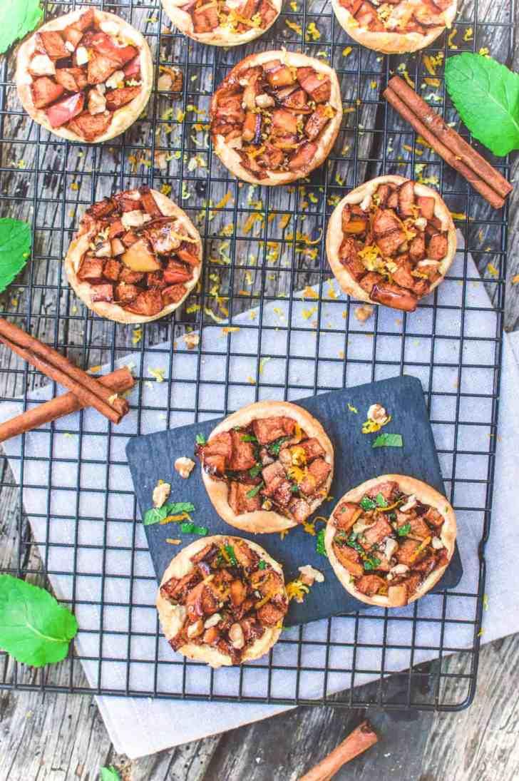 Mini Vegan Apple Strudels | Warm Dessert Recipe | World of Vegan | #strudel #apple #dessert #german #fall #tart #worldofvegan