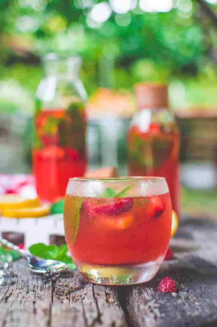 Fresh Strawberry & Mint Lemonade   World of Vegan   #lemonade #strawberries #lemon #mint #fresh #drink #water #fruits #worldofvegan