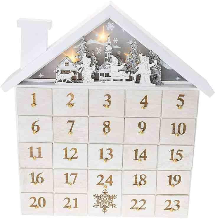 Guide To Vegan Advent Calendars: Store Bought & Homemade   World of Vegan   #christmas #calendar #holidays #vegan #conscious #eco #worldofvegan