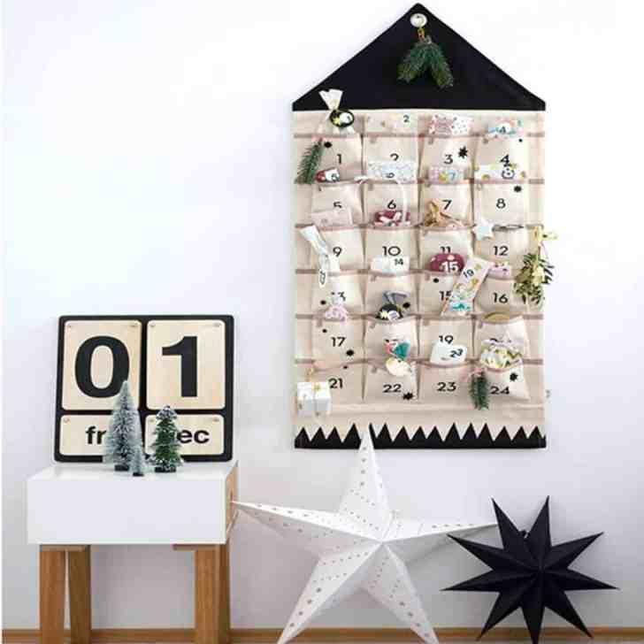 Vegan Advent Calendars: Hanging Calendar With Pouches