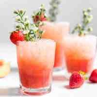 Strawberry Peach Spritzer