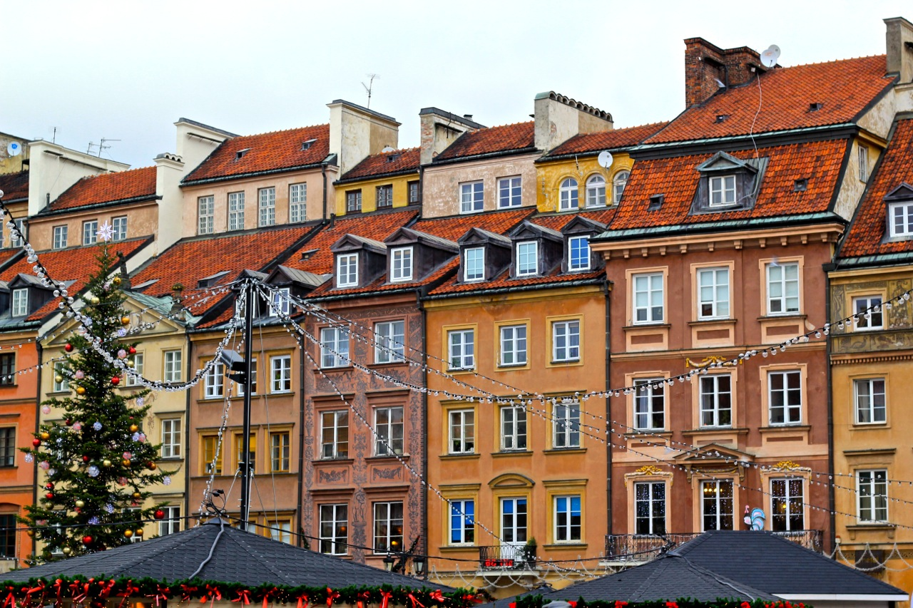 Cities of the world - Alphabetic  - Page 4 Warsaw-by-World-of-Wanderlust