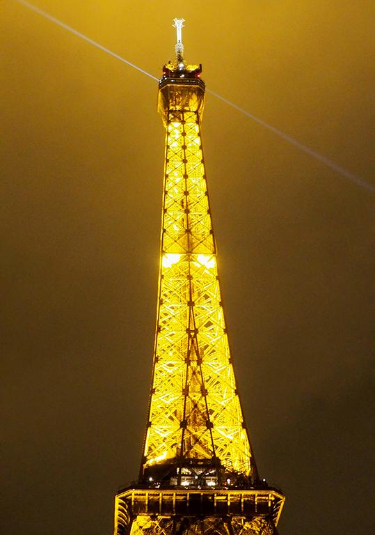 3 Tour Eiffel noche