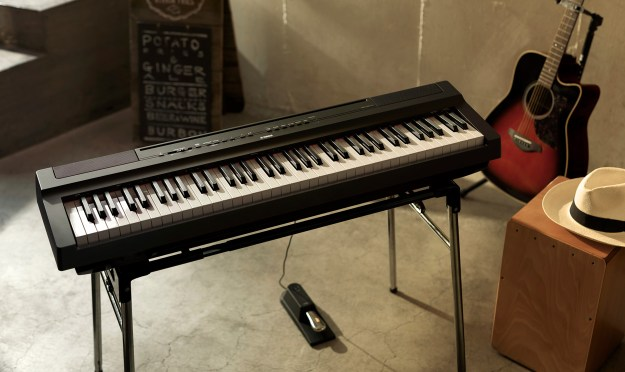 Yamaha P-121 digital portable piano