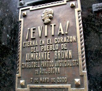 Evita Grave1
