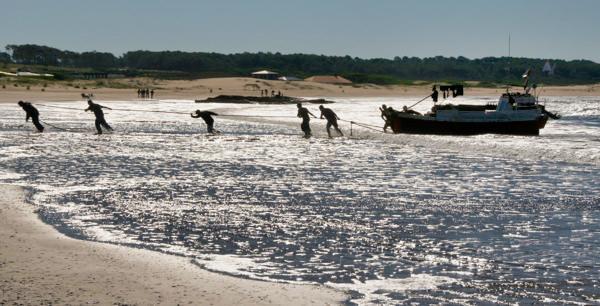 Jose Ignacio Pulling Boat