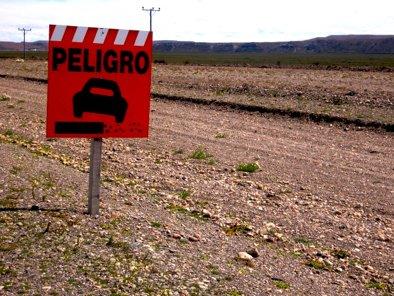 Peligro Road Sign