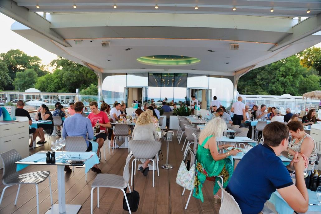 Sea Terrace Restaurant and Wine Bar, Varna Bulgaria […] photo by WorldRider Allan Karl […]