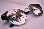 Beach sunglasses (courtesy of Pixabay.com)