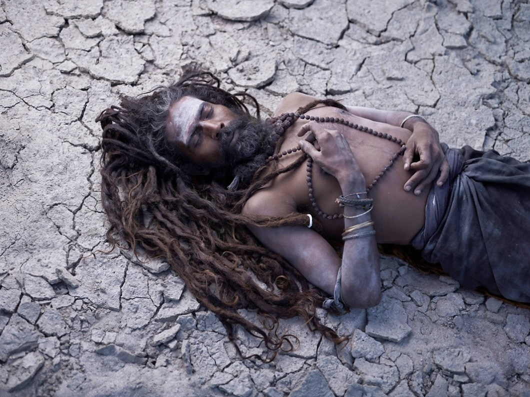 post mortem rituals of of Aghori Sadhus in Himalayas