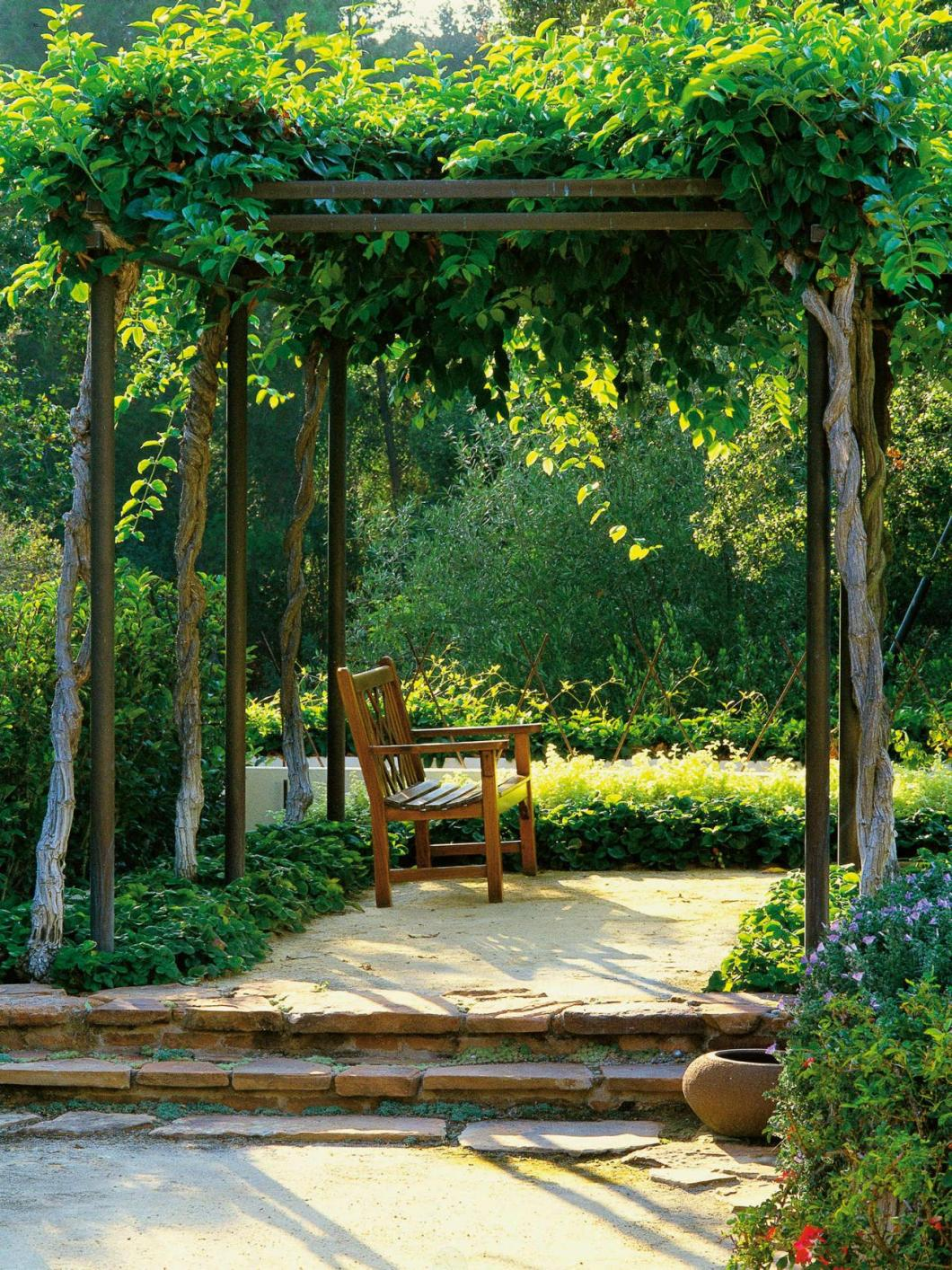 Arbour bench, low-cost hack to make your backyard beautiful